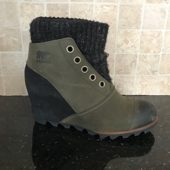 72d605eb9f9 Sorel Joanie Sweater Wedge Booties in Peatmoss. M 5a71b4a450687cd0996b4650